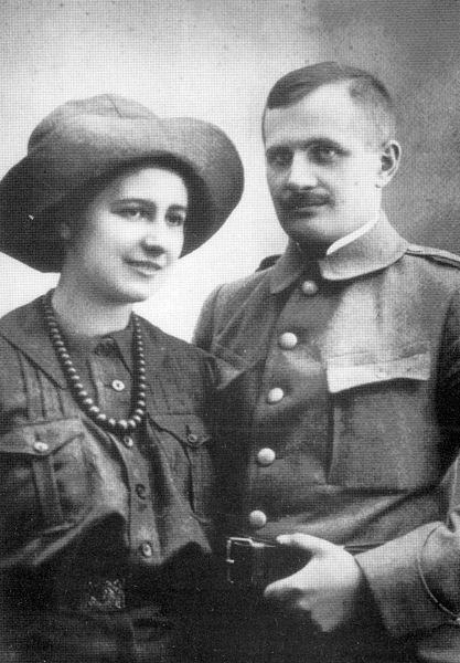 Andrzej Małkowski i Olga Drahonowska-Małkowska 10 zł, 100. rocznica Harcerstwa Polskiego, 2010 www.numizmatyczny.pl